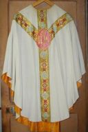 Ornement blanc n° 13 : chasuble