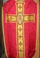 Ornements rouges : 2 chasubles