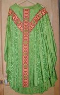 Ornements verts : ensemble de 4 chasubles